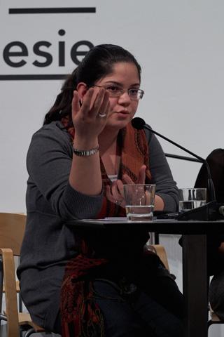 Die in Afghanistan geborene Mariam Meetra erzählt von ihrem feministischen Aktivismus in Afghanistan. Sie ist Mitglied des afghanischen PEN.