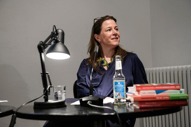 Dass die Arbeit für Weiter Schreiben so bereichernd werden und ihr Leben so sehr ändern würde, hatte sie nicht geahnt, sagte Annika Reich, die auch Künstlerische Leiterin des Projekts ist.