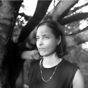 die Künsterin Donja Nasseri fotografiert von Halima Scek Abdulle.