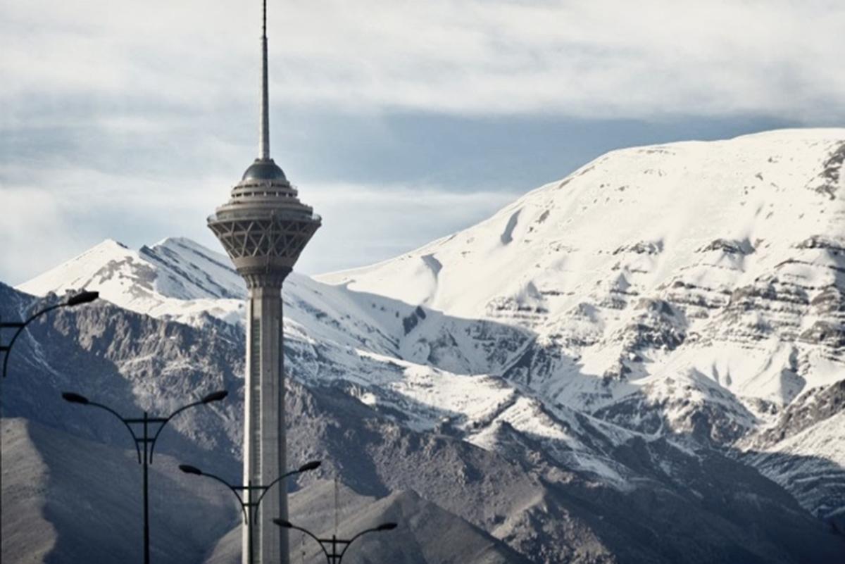 Blick auf den Fernsehturm in Teheran. Foto: Pegah Ahmadi